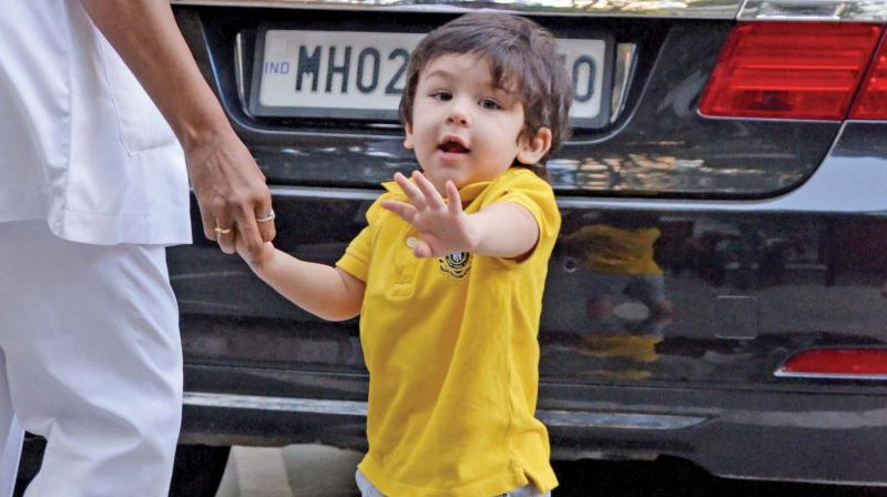 We don't know the guest list as of now.  But the paparazzi whom we know Taimur loves, will be there in full form, for their 'Tim'