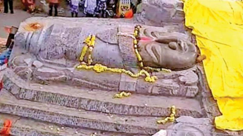 Lord Vishnu statue carved from a monolithic block reached Singarapettai