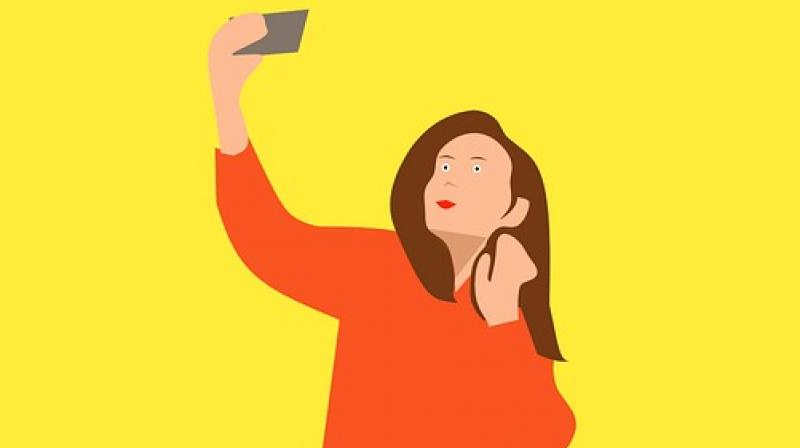 Many people are opting to get plastic surgery to look good in selfies. (Photo: Pixabay)