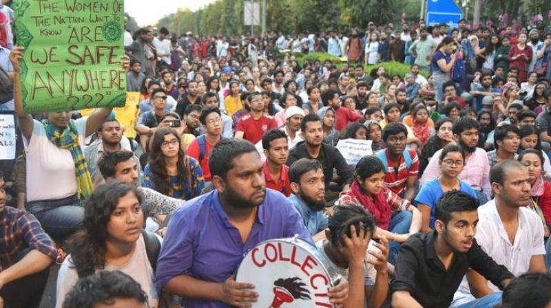 Police, Jawaharlal Nehru University students clash