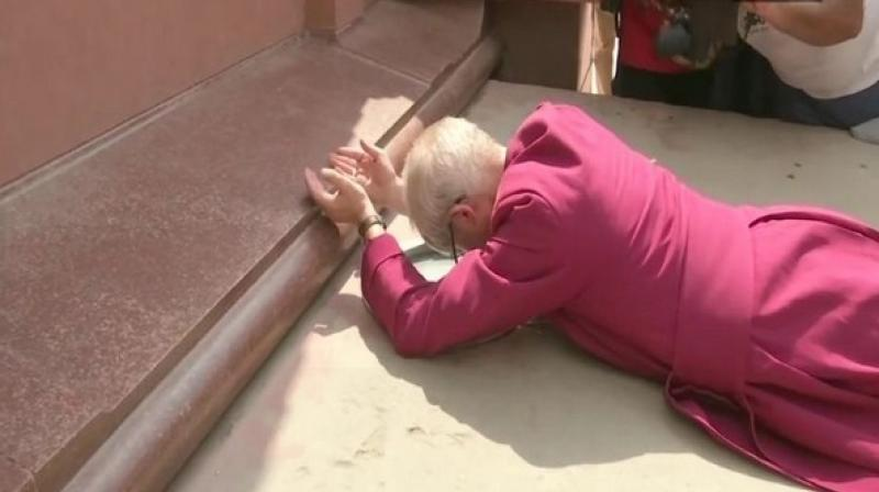 While paying homage at the Jallianwala Bagh memorial, Welby said, 'I cannot speak for the British Government. I am not the official of the government but can speak in the name of Christ.' (Photo: ANI)