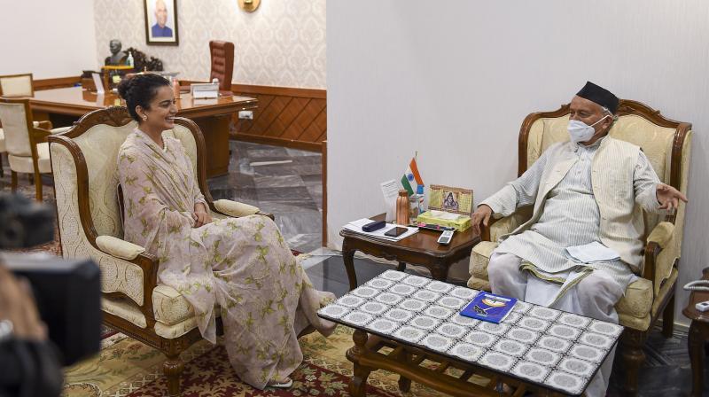 Sena targets Akshay Kumar for silence on Kangana row - Deccan Chronicle