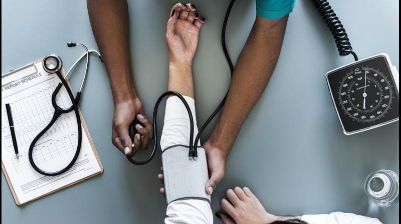 4 simple ways to prevent, control high blood pressure