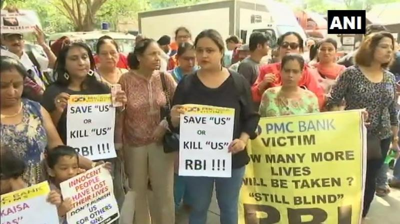A protestor, Sadhika Sayal, said that Maharashtra Chief Minister Devendra Fadnavis' statement that he would personally take up the issue with the Centre is ambiguous. (Photo: ANI)