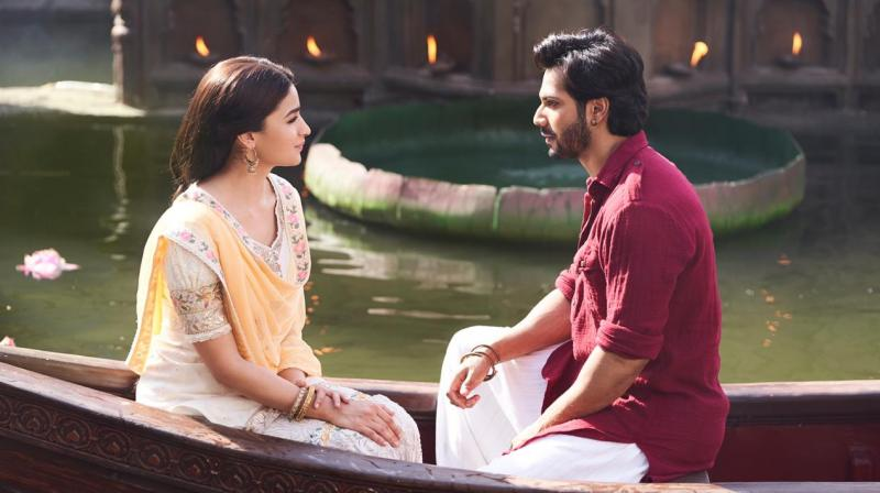 Kalank title track glimpse featuring Varun Dhawan and Alia Bhatt.