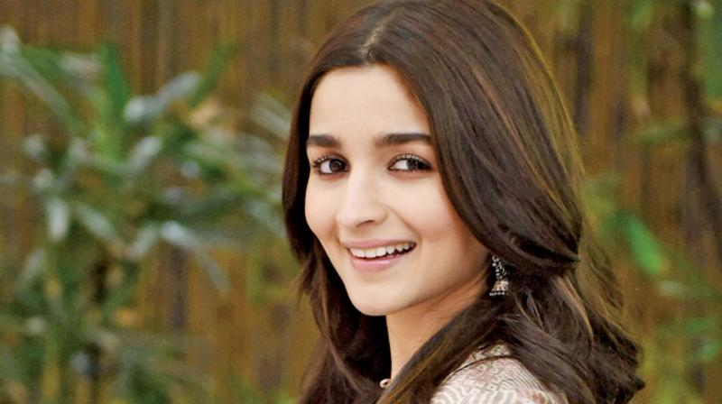 Scroll down to witness Alia Bhatt
