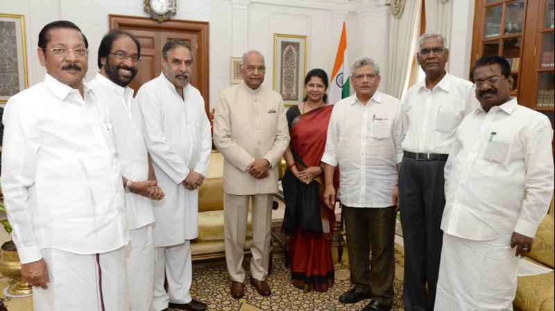A delegation of opposition parties, including DMK, Congress, CPI and CPM met President Ram Nath Kovind on Thursday. (Photo: ANI/Twitter)