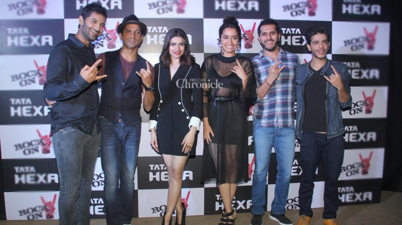 The team of the upcoming film 'Rock On 2' including Farhan Akhtar, Shraddha Kapoor, Prachi Desai, Purab Kohli, Shashank Arora and producer Ritesh Sidhwani among others were spotted at a promotional event on Monday night. (Photo: Viral Bhayani)