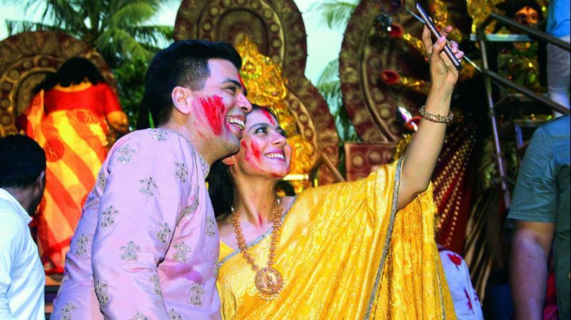 Karan also went on to revel in the mirth with his Kuch Kuch Hota Hai heroine Rani Mukerji.