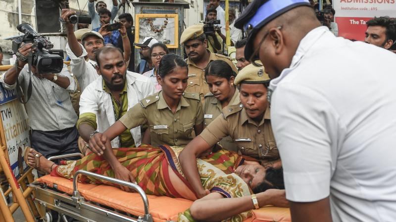 21 Karunanidhi supporters die, unable to bear his illness