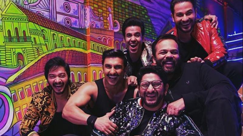 Team Golmaal (Arshad Warsi, Shreyas Talpade, Tusshar Kapoor, Kunal Kemmu) meets Team Simmba (Ranveer Singh and Rohit Shetty).