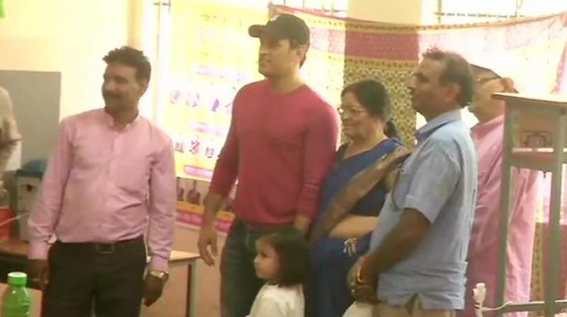 Mahendra Singh Dhoni casts his vote at a polling booth in Jawahar Vidya Mandir in Ranchi, Jharkhand.  (Photo: ANI twitter)