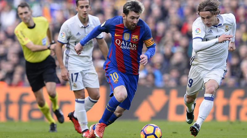 A lip-smacking goal-fest could well be on the cards with Barcelona still susceptible to vulnerability at the back. (Photo: AFP)