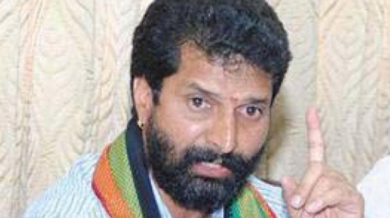 Ravi said he was sleeping in his car and was on his way to Chennai from Chikkamagaluru along with his gunman. (Photo: File)
