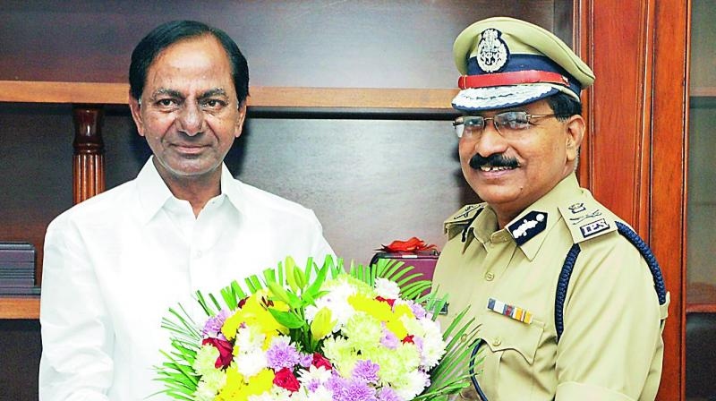 Mr M. Mahendar Reddy, newly-appointed Director-General of Police on Friday, calls on Chief Minister K. Chandrasekhar Rao in Hyderabad on Saturday. Mr Rao will hold a farewell meeting for outgoing DGP Anurag Sharma on Tuesday. Mr Sharma retires on Sunday.