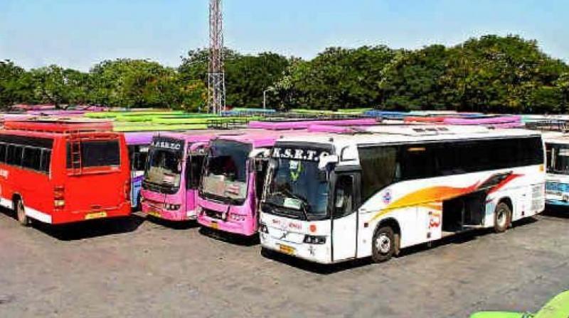 Kerala Luxury Buses Apply No Brake On Overpeeding