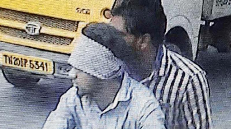 CCTV footage of the duo (Saravanan and Ghouse Basha aka Riaz).