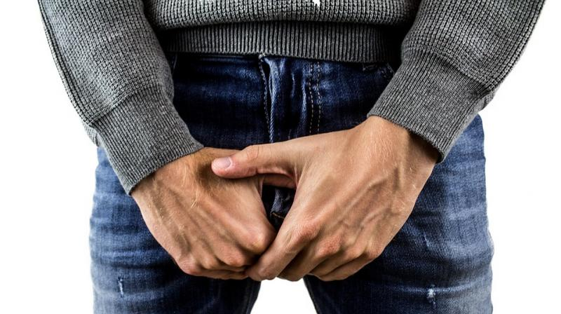 men should get their testicles schecked on a regular basis. (Photo: Pixabay)