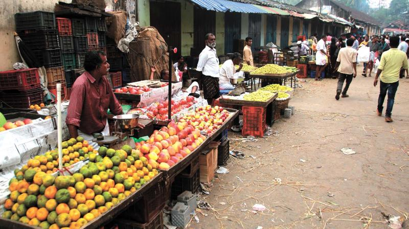 The distribution of ID cards among street vendors in the city may be further delayed.