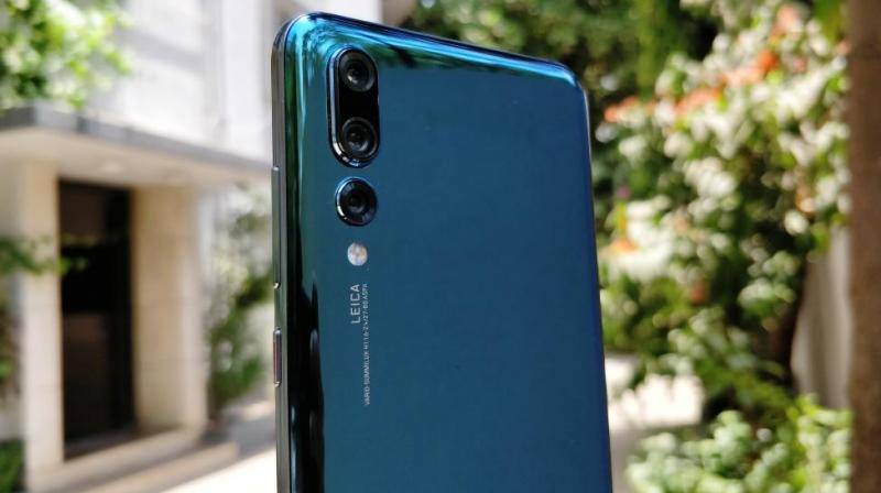 The Huawei P20 Pro is a great smartphone built for those who prefer exceptional DSLR-like photography performance from their smartphone.