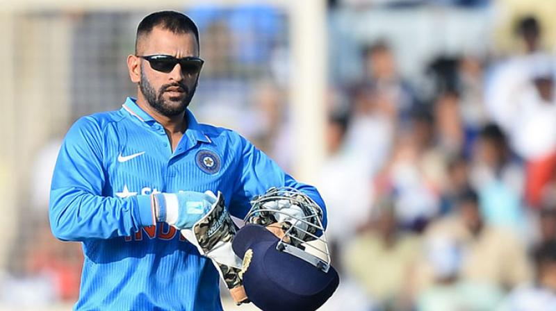MS Dhoni gives up ODI, T20 captaincy, tributes pour in on social media