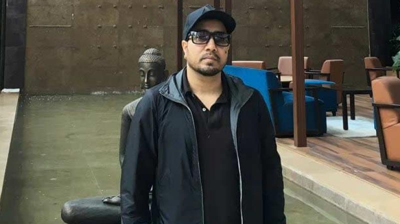 A performance by famous singer Mika Singh and his troupe at the wedding of a Pakistan-based billionaire's daughter, apparently close to former Pakistan President General Pervez Musharaff, has caused a furore in the country. (Photo: Twitter/ @MikaSingh)