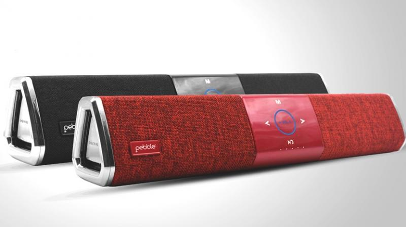 This soundbar is powered by 2400mAh battery and is available in black and red variants.