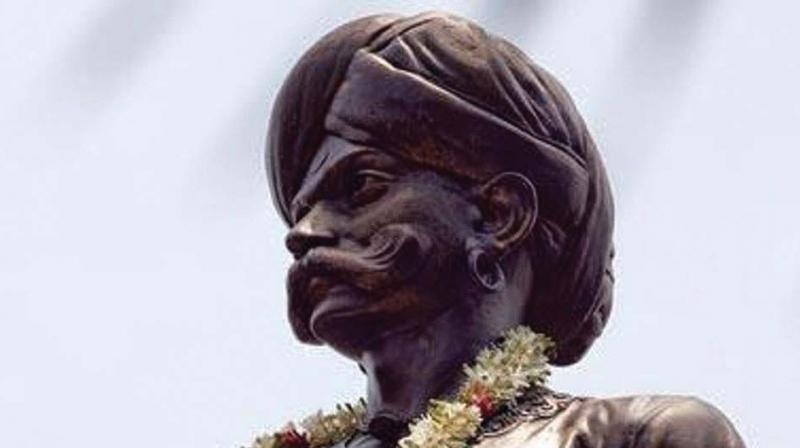 Son of Kempananje Gowda, who ruled Yelahankanadu for over 70 years, Kempe Gowda was born in Yelahanka in 1510 AD.