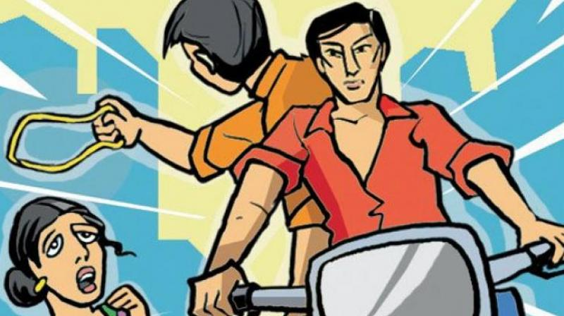 The duo had snatched the 2.5-tola gold chain of homemaker Anjali who was walking back home at Rajiv Gandhi Nagar. (Representational Image)