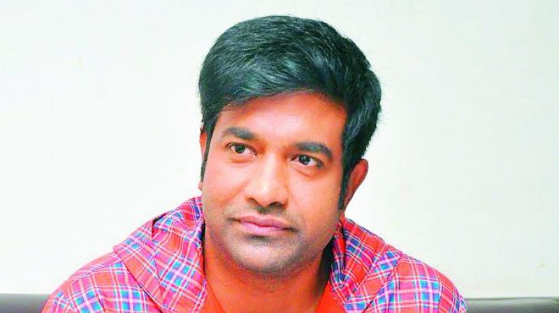 VENNELA KISHORE COMEDY AT SAMANTHA INTERVENTION!
