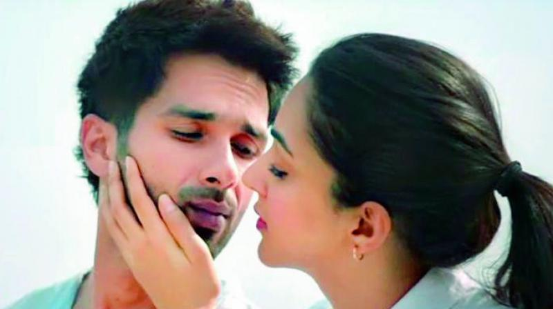 Even more curiously, the same lead actor Shahid Kapoor was seen snorting cocaine, screaming expletives and even urinating on the audience at a rock concert in Udta Punjab.