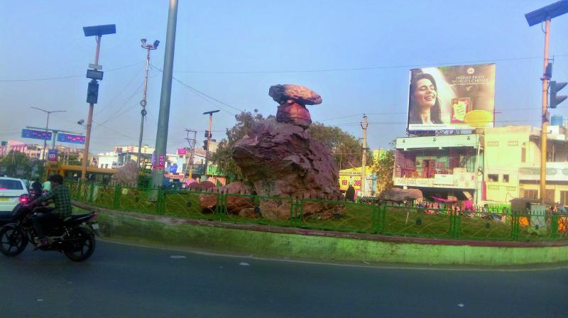 Visvesvaraya circle in Kurnool now sports a boulder as a part of beautification work. (Photo: DC)