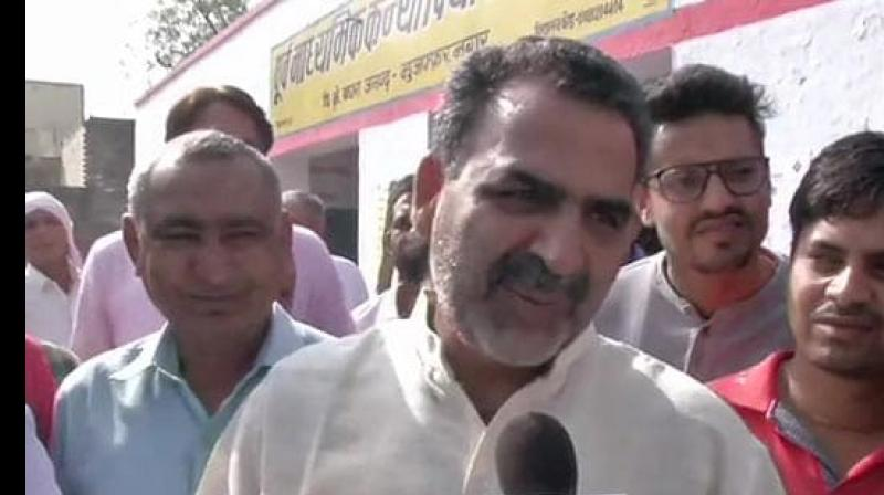 "Just a few hours after the commencement of polling, Union Minister and Muzaffarnagar BJP candidate Dr Sanjiv Balyan alleged ""fake"" voting in his constituency. (Photo: ANI/ Twitter)"