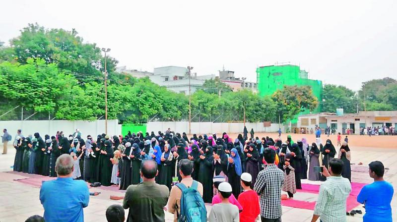 As an act of protest against the Supreme Court's verdict on Babri Masjid in Ayodhya, fifty women carried out namaaz on Thursday at Ujale Shah Eidgah in Sayeedabad.  (Photo: DC)