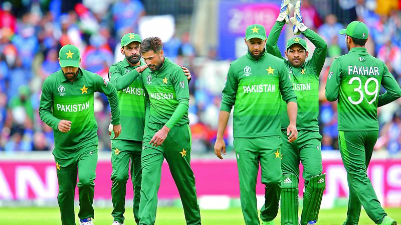 The allegations against the Pakistan players were likely believed easily because of the clumsy mistakes the players displayed while fielding against India (Photo: File)