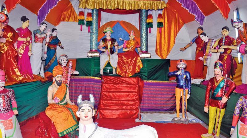 Kolu for Navaratri at Adhikumbeswaraswamy temple at Kumbakonam on Thursday.   Image: DC