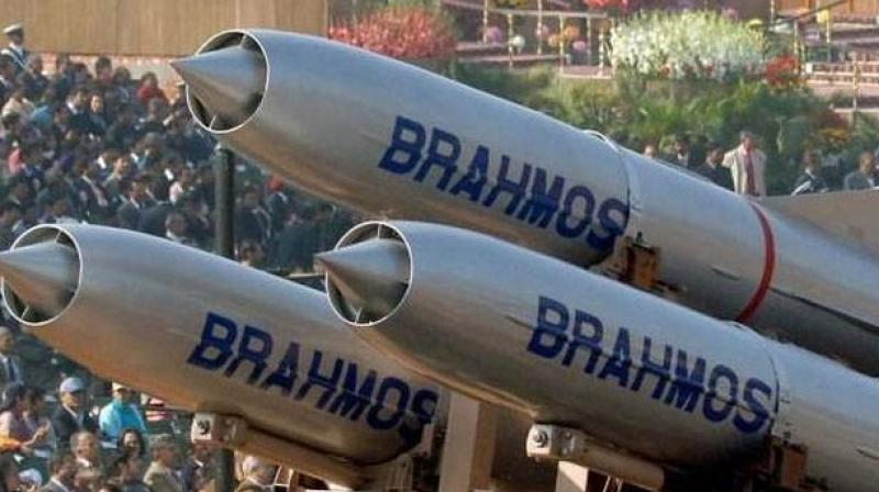 Indian Su-30 MKI fires 2.5 ton BrahMos supersonic cruise missile