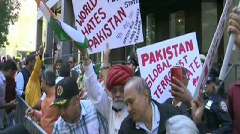 Kashmiri Pandits, Balochs, Mohajirs gather outside UNHQ to support Modi address