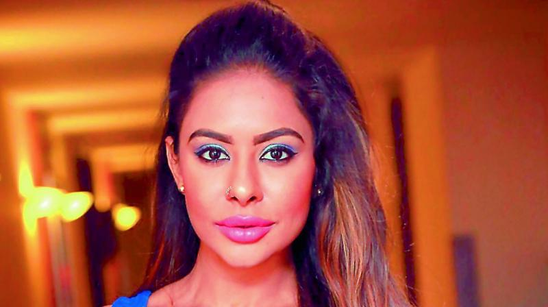 Sri Reddy to take legal action against Pawan Kalyan's abusive fans