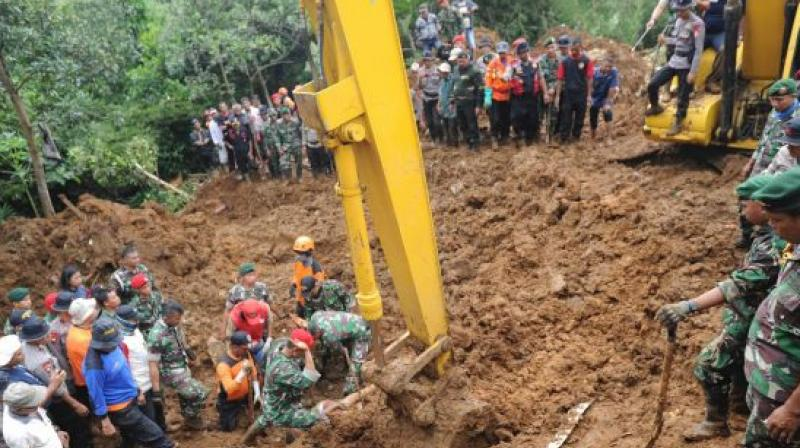 Two killed, thousands evacuated as floods hit South Jakarta