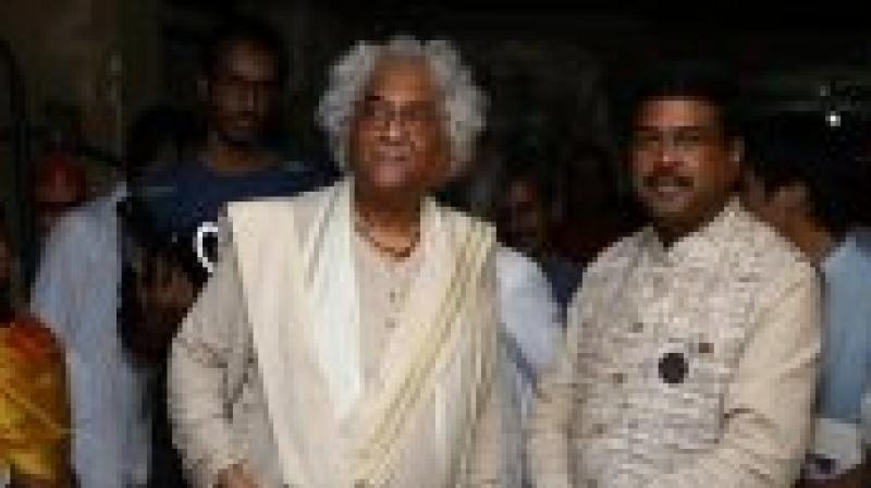 Rajeev Sethi with Dhramendra Pradhan