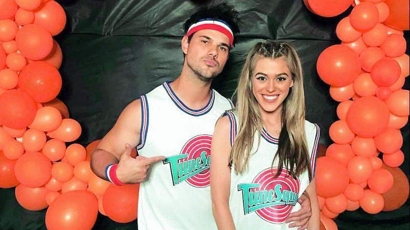 Twilight star Taylor Lautner is no longer on the single's market.
