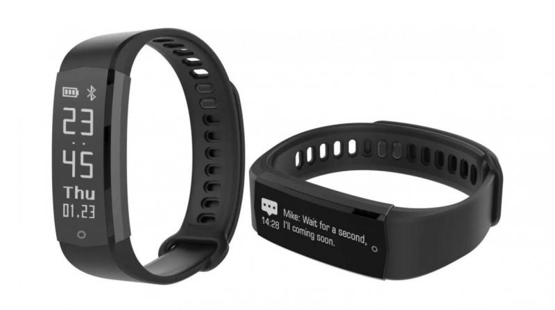 Lenovo launches HX06 fitness tracker with an OLED display