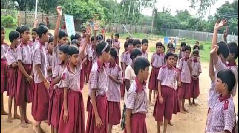 Other students in the school too agreed with Akhila's statement and added that some of them had even been punished by their family members for cutting their hair. (Photo: ANI)