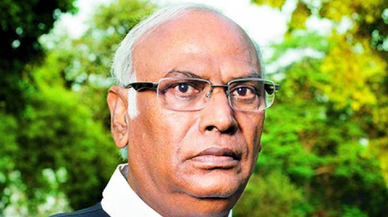 Mallikarjun Kharge said Jaitley had himself penned 'the strongest dissent note' against the CBI and its functioning  (Photo: File)