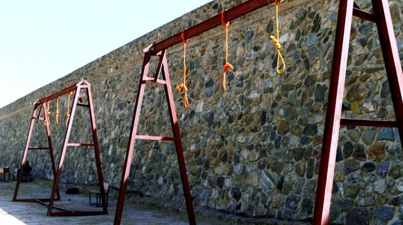 Nooses hang at Pul-e-Charkhi prison on the outskirts of Kabul, Afganistan. (Photo: AFP)