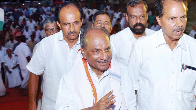 CWC member A.K. Antony arrives to address a meeting at Vyttila in Kochi on Sunday. (Photo: DC)