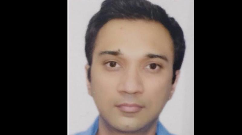 Siddharth Sanghavi, a resident of south Mumbai's upscale Malabar Hill area, who works with a leading private bank in Kamala Mills compound, is untraceable since Wednesday evening. (Photo: Facebook Screengrab/ Anand Mathur)