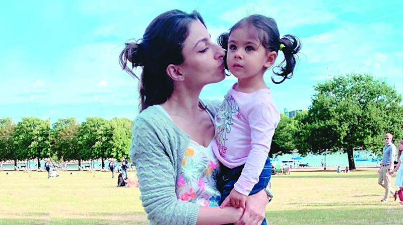 Soha Ali Khan with Inaaya