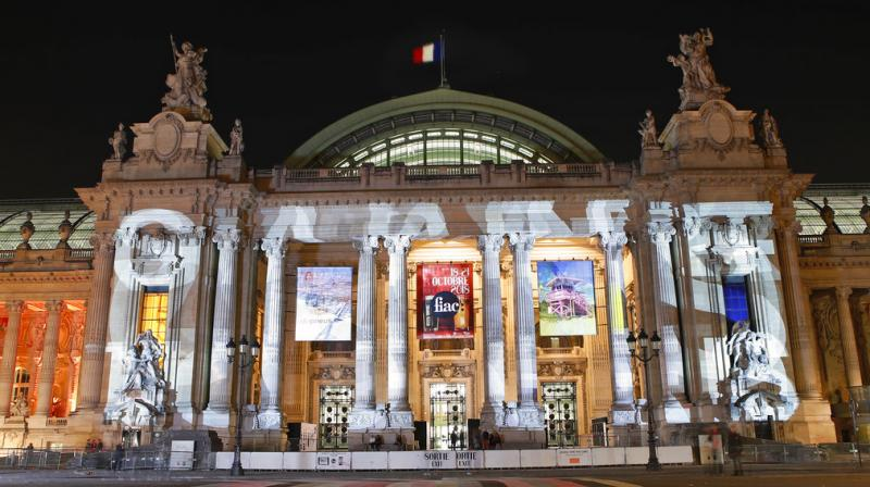 Featuring 27 countires, five-day fair, held in Grand Palais, combines contemporary and modern art under one soaring steel-and-glass roof. (Photos: AP)